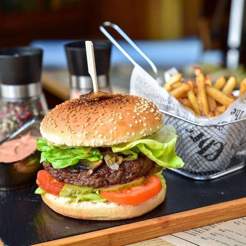 Burger clasic (530 g)