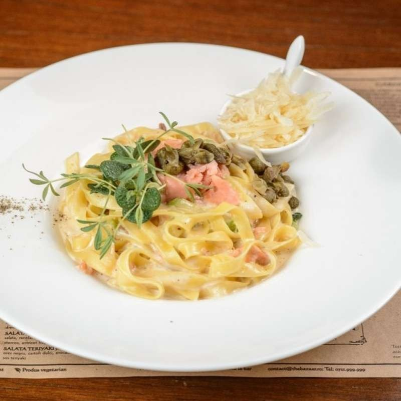Pasta with salmon (400 g)