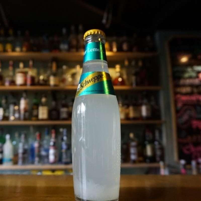 Schweppes Lamaie (250 ml)
