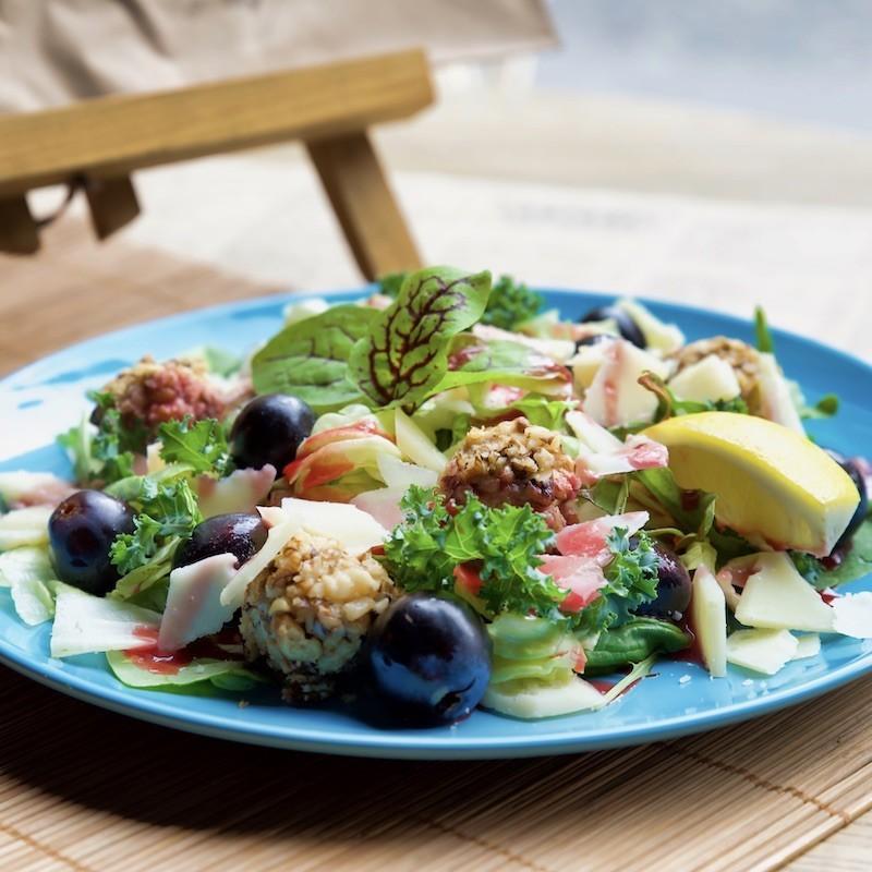 Gorgonzola salad (450 g)