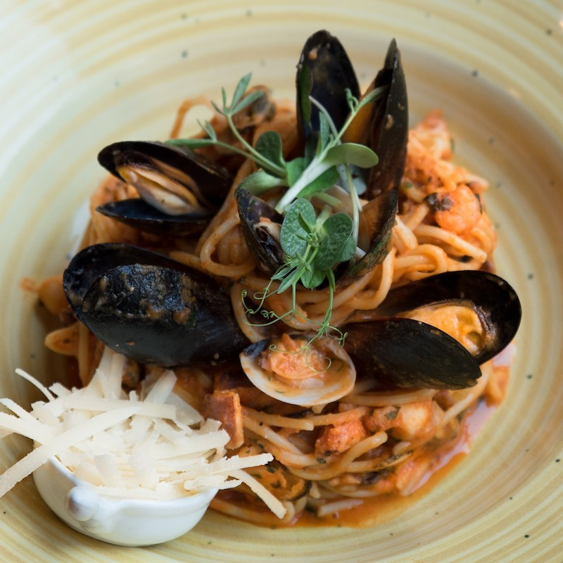 Pasta with seafood (350 g)